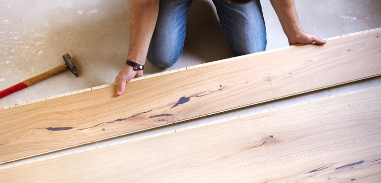 Wooden Floor laying Service. Trusted Carpenter.
